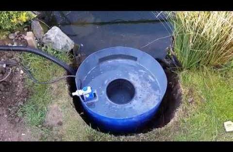 Diy pond skimmer and auto top up youtube aquaponic for Koi pond skimmer design