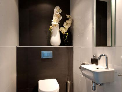 toiletten moderne badezimmer and designideen on pinterest. Black Bedroom Furniture Sets. Home Design Ideas