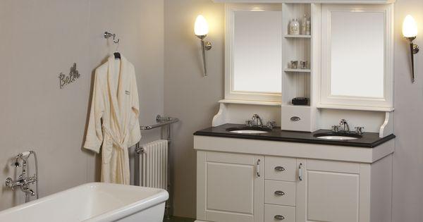 Klassiek badkamermeubel 160cm classic wit met opbouw spiegelkast en zwart graniet wastafelblad - Klassiek bed ...