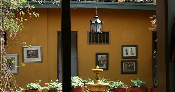 Tipico patio casa coloniale bogot casas coloniales for Estilo toscano contemporaneo