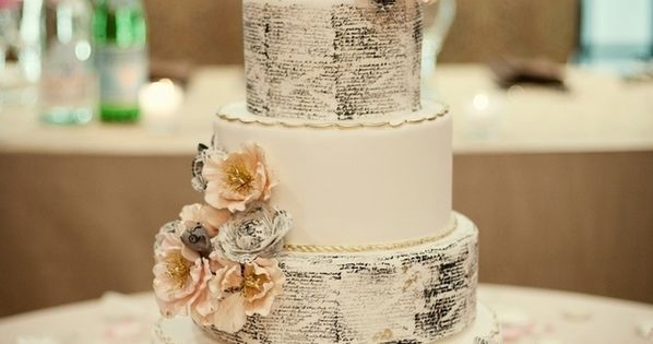 Book pages on a wedding cake!