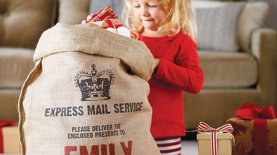 Personalized Christmas sack - cute idea! And beautiful too. This is so