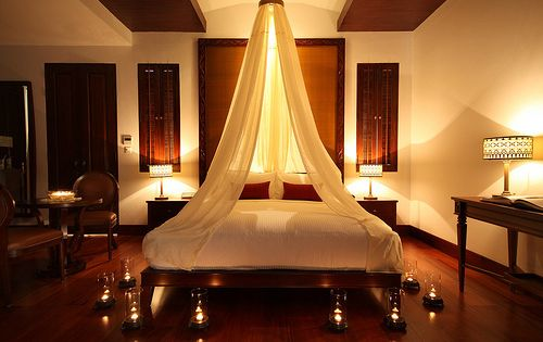 Romantic Bedroom Candle Light Canopy So Romantic