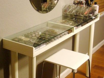 DIY makeup vanity! Cheap, organized and creative. Glass shelf and legs from