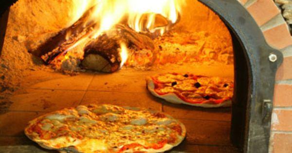 Pizza au feu de bois recette reunionnaise de l 39 oc an - Cuisiner au feu de bois ...