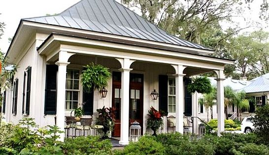 Paula Deen 39 S Home Tour Inside Celebrity Homes A Look At