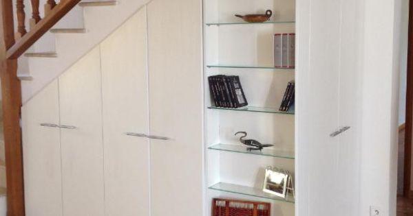 am nagement sous escalier sur mesure en l pour faciliter. Black Bedroom Furniture Sets. Home Design Ideas