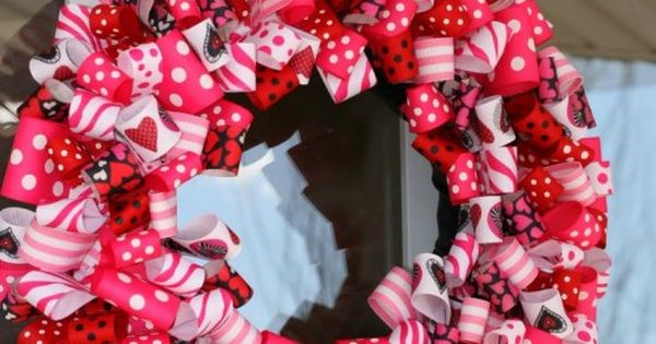 14 Crafty Valentine's Day Wreaths | GoodHousekeeping valentinesday crafts
