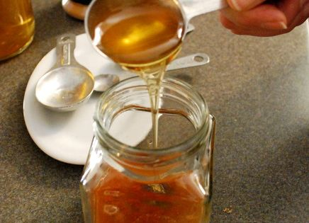 Home Remedy for sore throat, hacking cough, tight congestion... COUGH & COLD