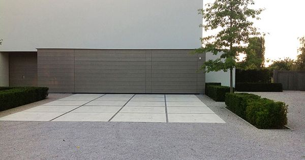 Modern b huis pinterest driveway paving large format and driveways - Landscaping modern huis ...