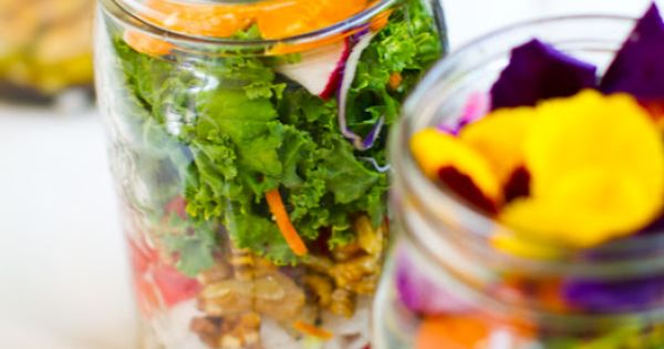 These Mason Jar Salads Are Your New Go-To Lunch | Easy Lunch