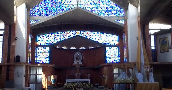 Interior de la iglesia del carmen de viboral antioquia for Ministerio de relaciones interiores espana
