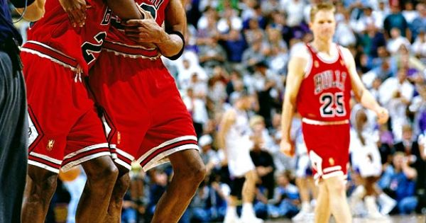 Michael Jordon and Scottie Pippen. Love this moment. Chicago Bulls,