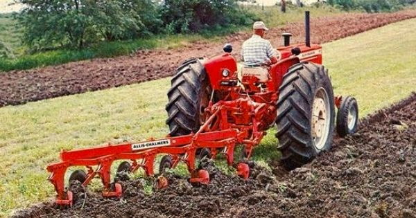 Allis Chalmers 3 Point 5 Bottom Plow Tractors Vintage Tractors Old Tractors