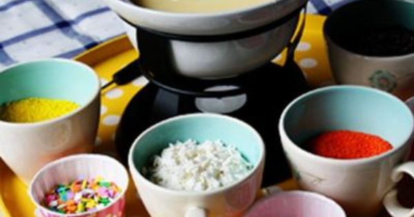 Cupcake Fondue - super cute for party's and such.