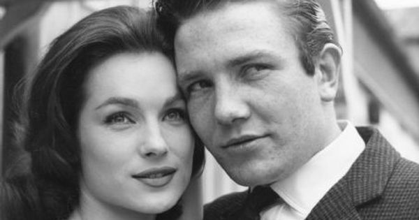 Shirley anne field and albert finney in 39 saturday night and sunday morning 39 1960 british new - British kitchen sink films ...