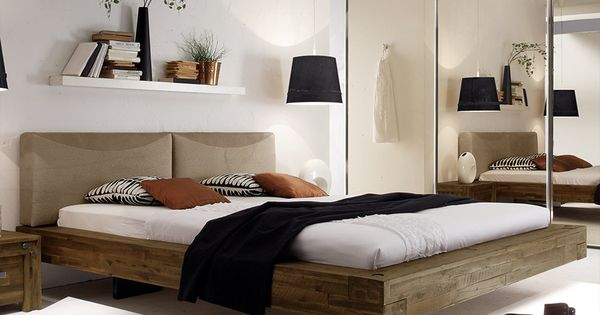 Holzbett schwebend  Rustikales Massivholzbett mit tollem Schweberahmen. | Betten.de ...
