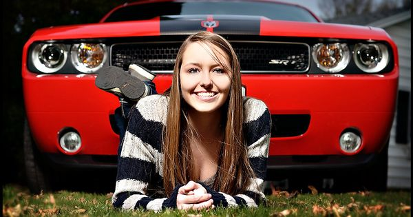 Cute Senior Car Photo Idea