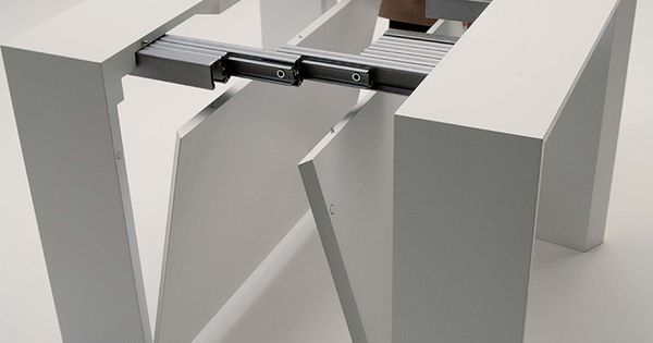 The Golietta Is An Expanding Console To Dining Table With Two Self Storing Le