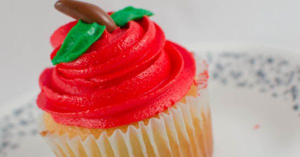 Back to School Apple Cupcakes | Recipe | School Cupcakes, Back To ...