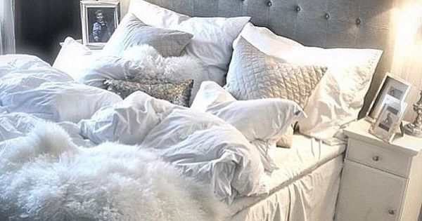 und dieses bett grau blaues schlafzimmer for the win wohn inspiration pinterest grau. Black Bedroom Furniture Sets. Home Design Ideas