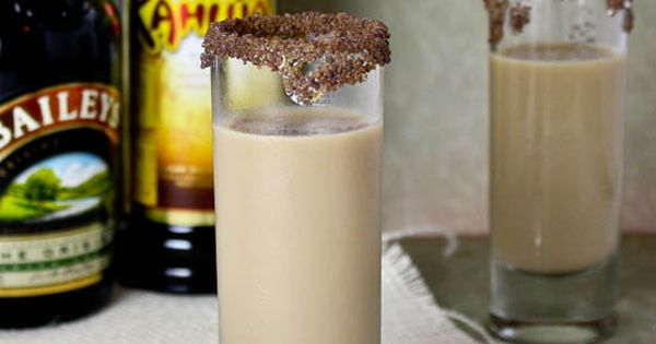 Midnight drink: Girl Scout Cookie Shooter {taste like a thin mint} 1/2