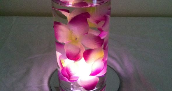 These were super inexpensive & quick to make. The glass vases, mirrors