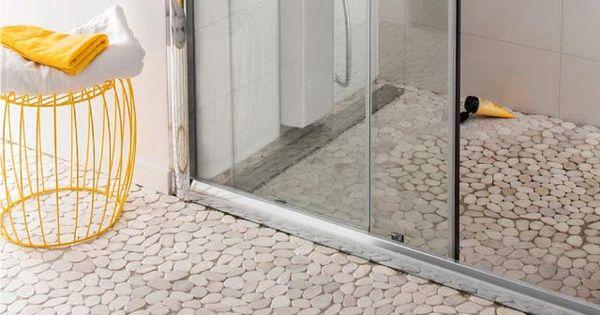 Carrelage sol et mur galet castorama salle de bain for Nettoyer galets blancs