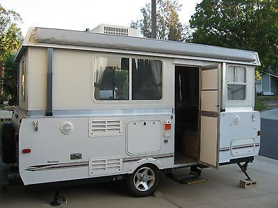 2008 Fleetwood Highlander Tacoma Hard Side Pop-up Camper ...