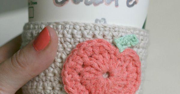 DIY Crochet Pumpkin Coffee Cup Sleeve - | Crochet Pumpkin, Coffee Cups ...