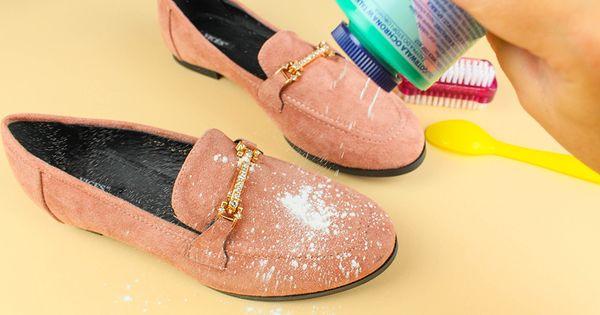 Jak Wyczyscic Buty Z Zamszu I Nubuku 9 Domowych Sposobow Twoje Diy Shoes Life Hacks Salvatore Ferragamo Flats
