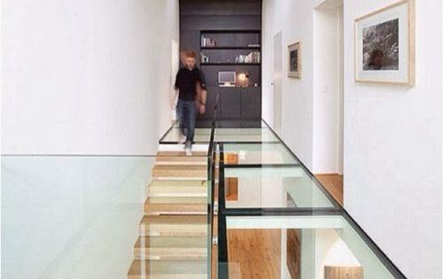 17 exemples de plancher en verre pour maisons modernes lunettes maison et design. Black Bedroom Furniture Sets. Home Design Ideas