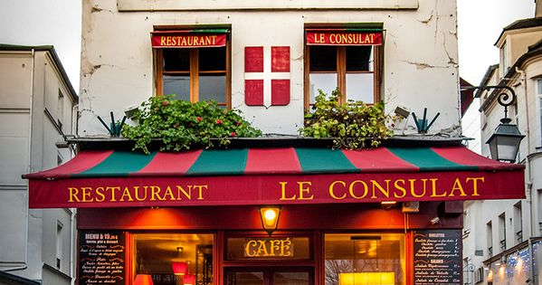Le consulat caf in montmartre paris paris pinterest for Le miroir restaurant montmartre