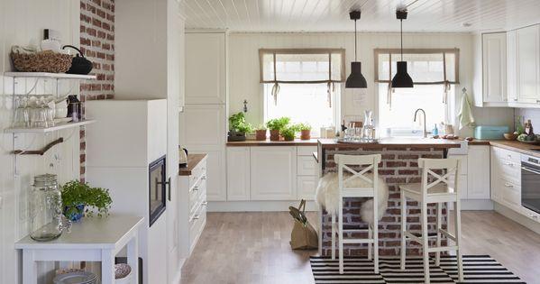 Ginas geräumige und doch heimelig wirkende Küche und der dazu - ikea kleine küchen