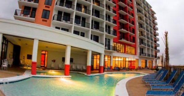 Zero Entry Pool At Hampton Inn Beachfront Hotel In Orange Beach Al Beachfront Hotels Orange Beach Hampton Inn
