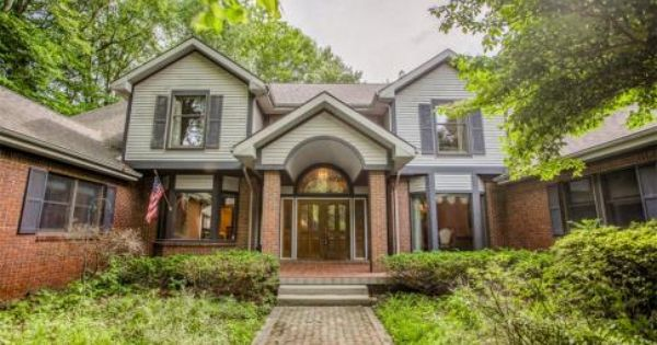A Beautiful Custom Built Home With Complete Privacy An Abundance
