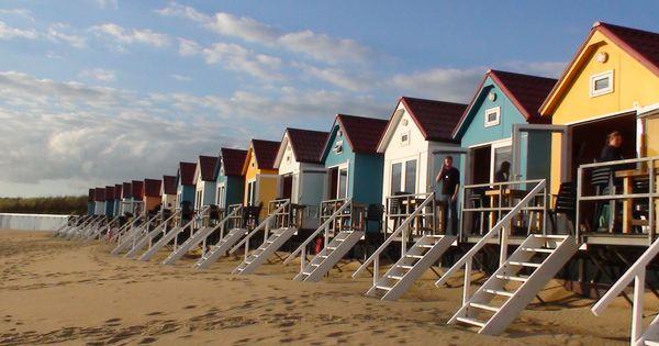 logeren in een kleurrijk strandhuisje op het strand van vlissingen genieten van de mooiste. Black Bedroom Furniture Sets. Home Design Ideas