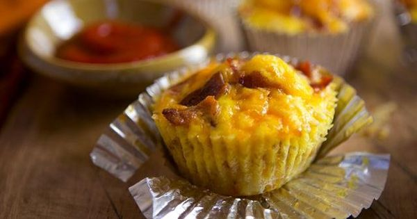 Breakfast cups made from shredded potatoes, bacon, eggs and Cheddar cheese, and