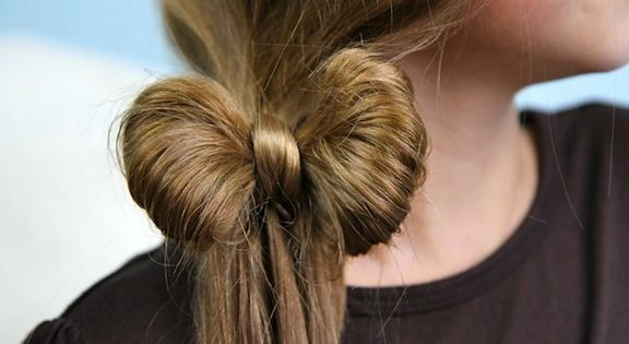Beautiful Side Ponytail Hair Bow in 5 minutes {video tutorial included}...