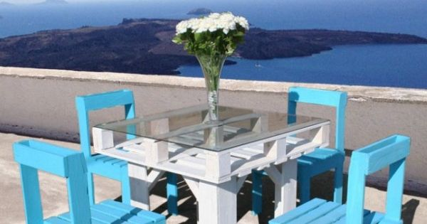 DIY Pallet Table n chairs