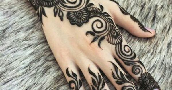 Henna On Hand  The Henna House By Angela  Flowery Mehndi Design  Good For