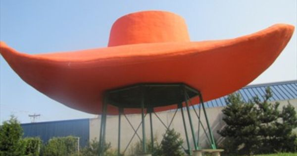 This Giant Hat And Boots Used To Be A Texaco Gas Station When The