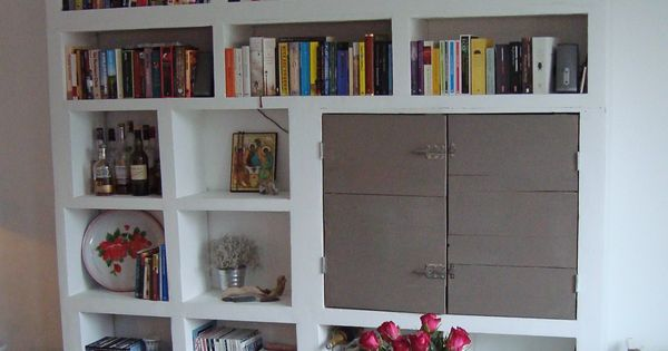 Praxis Woonkamer Kast : Homemade kast, gemaakt van gipsblokken ...