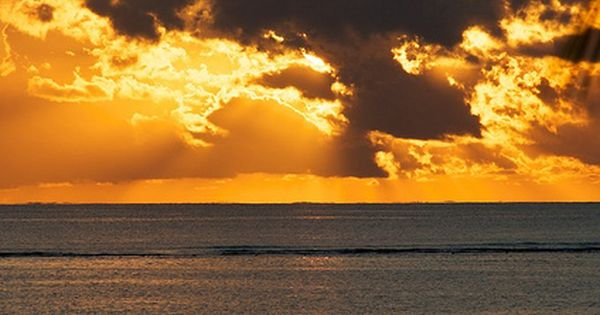 Mauritius Stehpaddler (SUP in Mauritius, west coast at sunset) | by Winkelbohrer