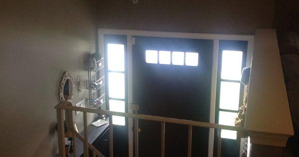 Salone con ingresso a mezzo piano, ingresso salone sopra  o ...