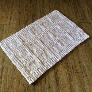 Un Tapis De Bain Tricote En Trapilho Tapis De Bain Tapis Tricote Tuto Tricot