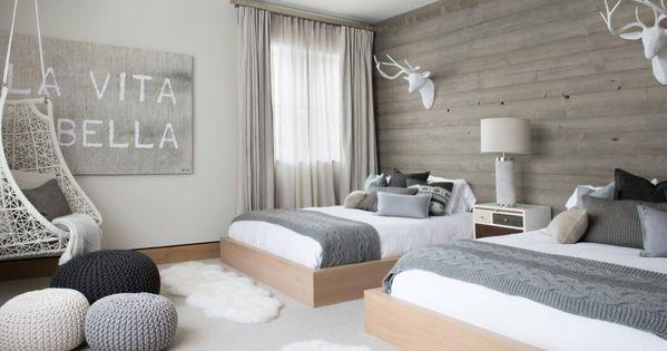 couleurs mur accent de bois ambiance chambre parentale. Black Bedroom Furniture Sets. Home Design Ideas