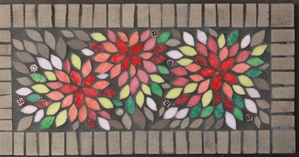 Decoration De Table Gaie Et Pratique Mosaique Realisee A La Main Chaque Tesselle Est Coupee Et Collee Individuellement Emaux De Briare Art De La Mosaique Dessous De Plat Et