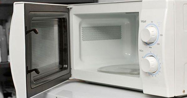 Peligros Del Microondas Del Por Qué Usted No Debe Utilizar Un Microondas Limpiar Microondas Limpieza De Sartenes Trucos De Limpieza