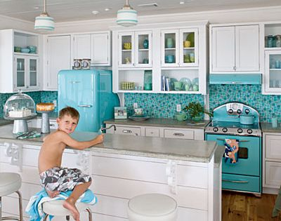 Beach Cottage Deco LOVE the color of stove and fridge!!!